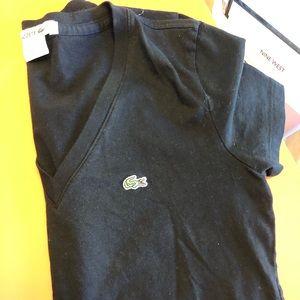Black shirt sleeve Lacoste tee